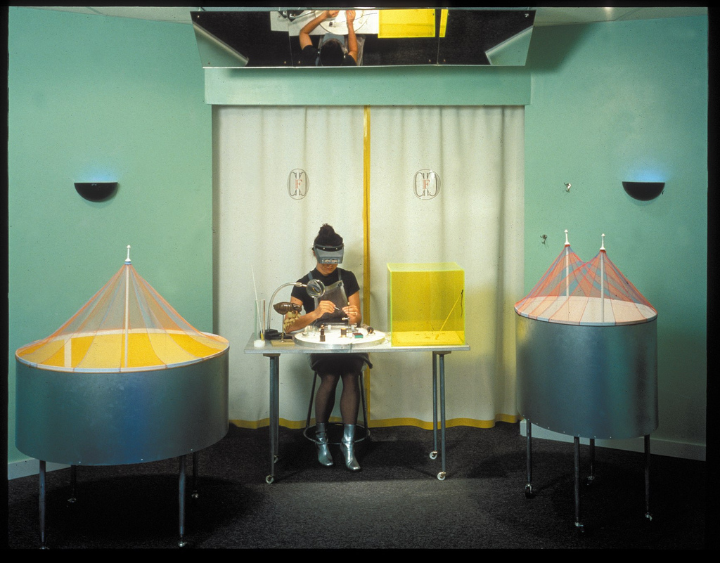 1996_cardoso flea circus_exploratorium03