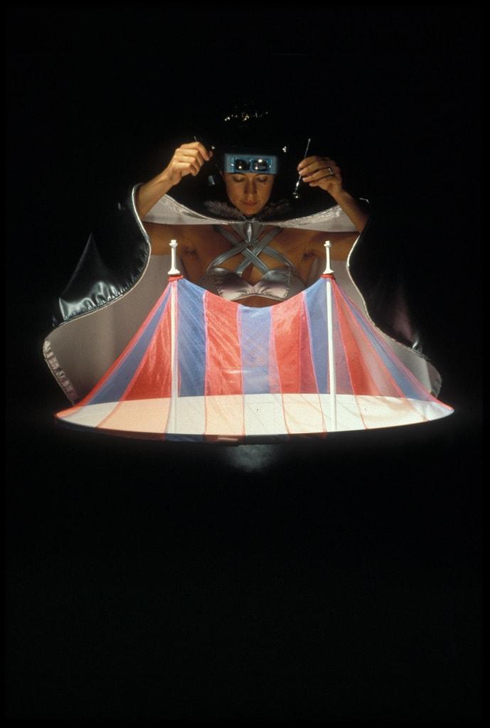 1996_cardoso flea circus_exploratorium10
