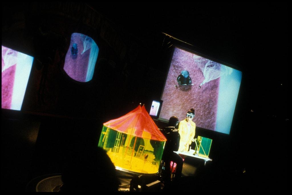 1998_Flea Circus_Pompidou_03
